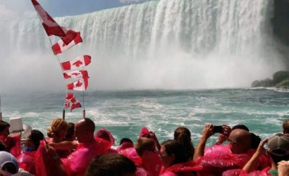 Small-Group Niagara Falls Tour from Toronto with Hornblower Cruise