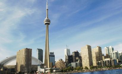 Private Toronto City Tour: Explore Local Sights