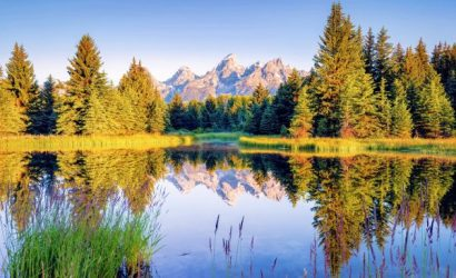 9-Day Yellowstone, Badlands, Grand Canyon Tour From Denver with California Theme Parks