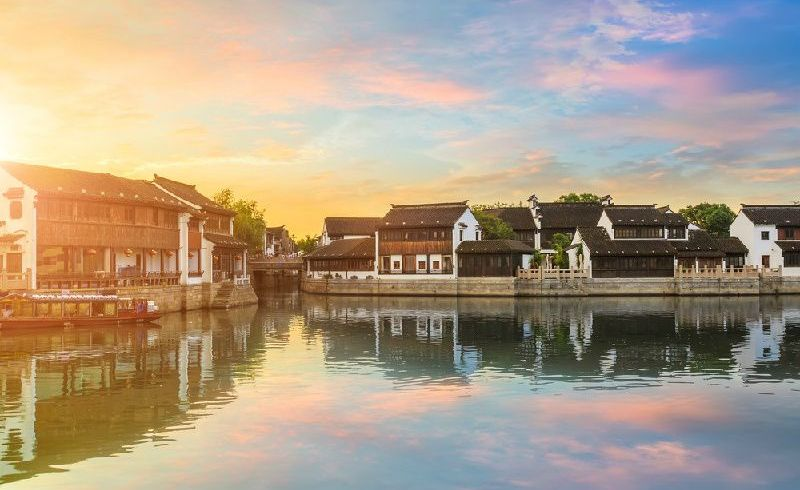 8-Day Small Group China Tour Package By Train: Beijing - Xi`an - Shanghai