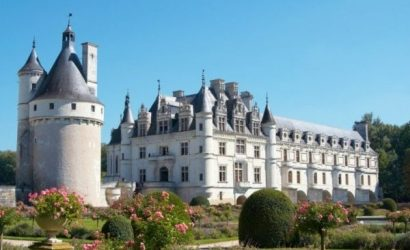Loire Valley Castles Tour from Paris with Lunch and Wine Tasting