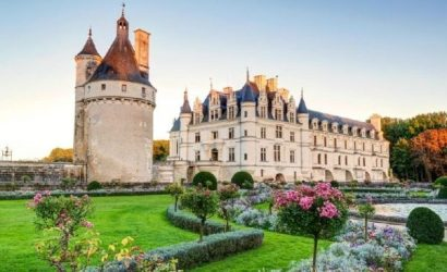 2-Day Loire Valley Castles Tour from Paris