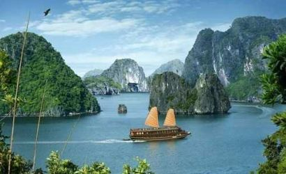 9-Day Vietnam Culture Tour: Hanoi, Halong Bay, Mekong Delta and Cu Chi Tunnels