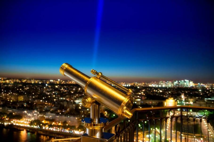Paris Night Tour with Eiffel Tower Tickets and Seine River Cruise