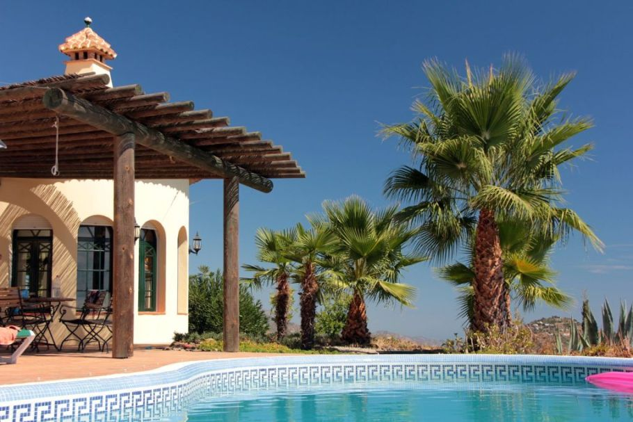 Staying in a villa supports sustainable tourism