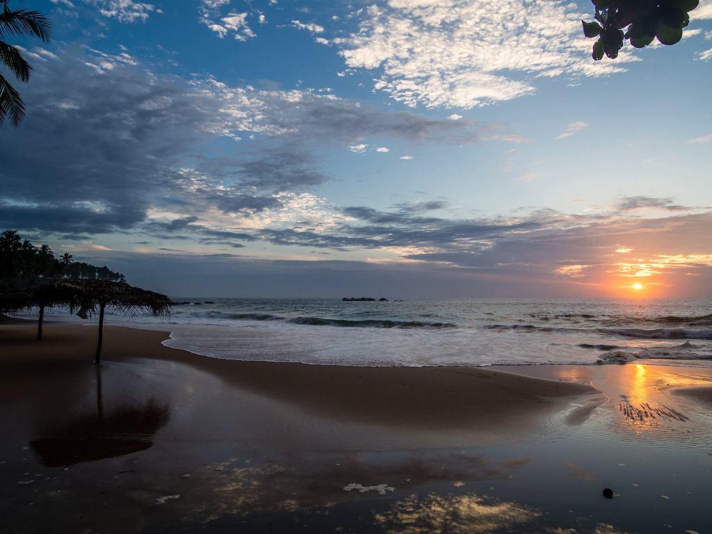 Tangalle Best Beaches - Goyambokka Beach