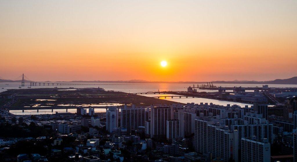 Sunset view from Cheongryansan