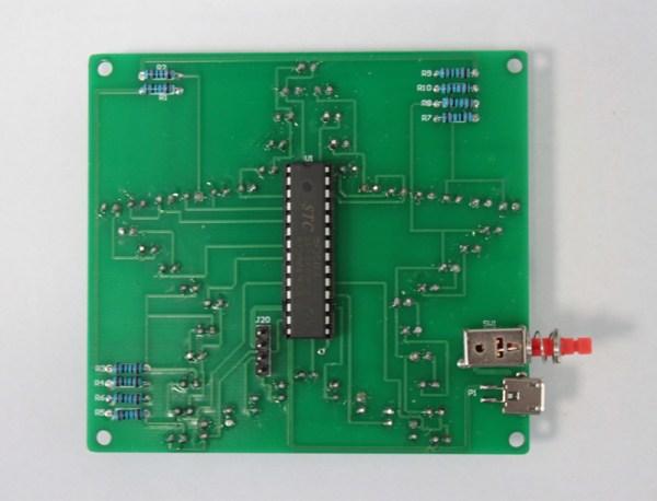 Wlutowany przełącznik nad złączem microUSB
