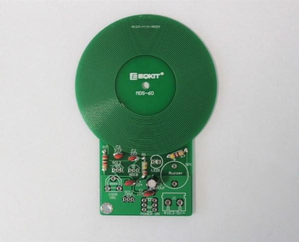 Kondensatory znajdujące się na płytce pcb