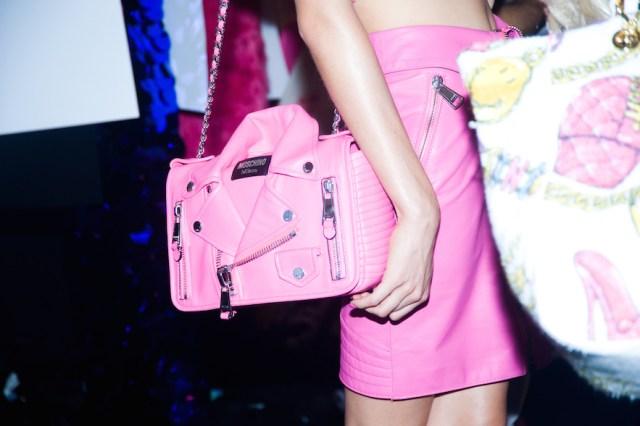 acessorios-barbie-moschino-desfile-milan-fashion-week-blog-moda-got-sin01