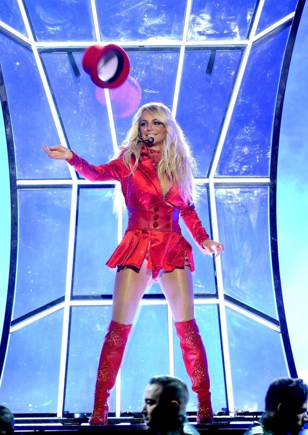 Britney Spears Billboard Music Awards 2016 blog got sin 17