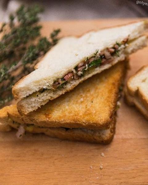 Гарячий сендвіч з сиром