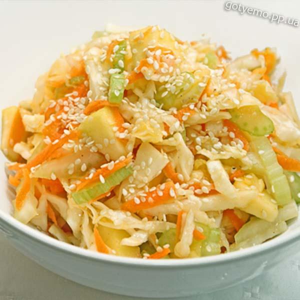 Салат з капустою та селерою