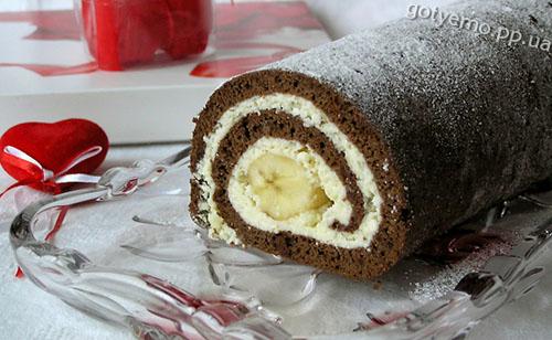 рецепт шоколадного рулету з бананом і сиром