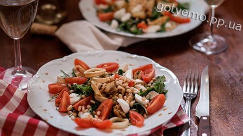 Рецепт салату з мідіями і кедровими горішками