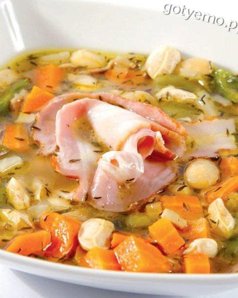 Квасолевий суп по-сербськи