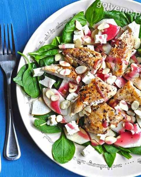 Салат з грушею і шпинатом