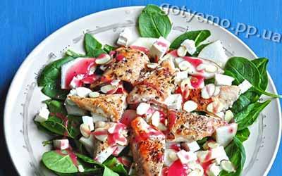 рецепт Салату з грушею і шпинатом