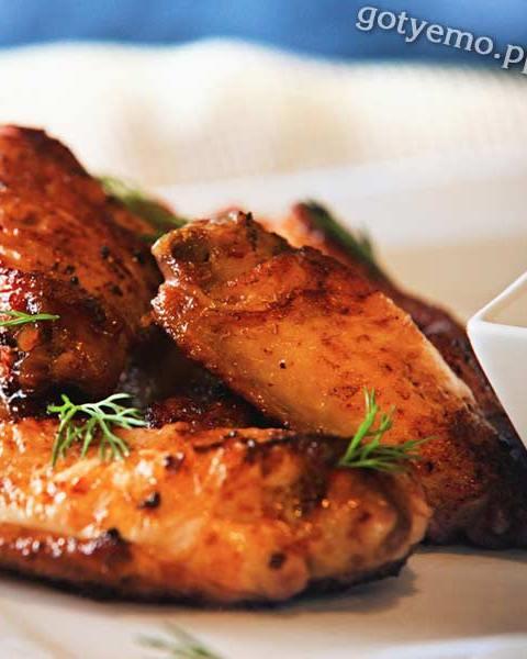 Курячі крильця барбекю