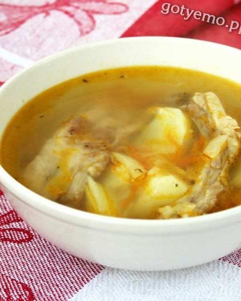 Суп на свинячих реберцях