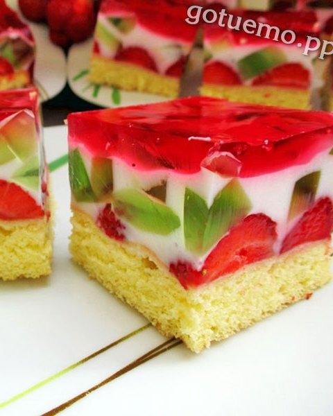 рецепт десерту з полуницею і йогуртом