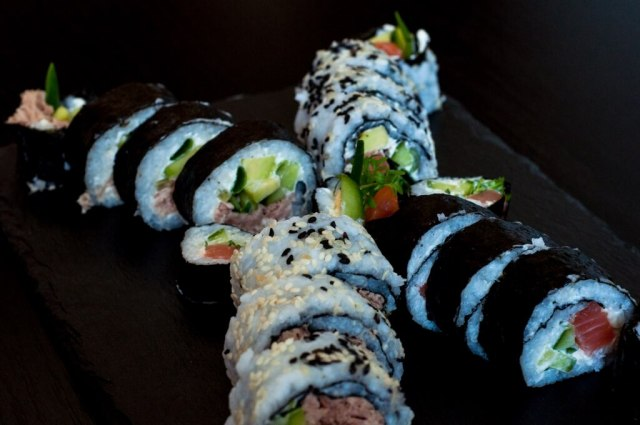 Domowe sushi - gotujemuwdomu.pl