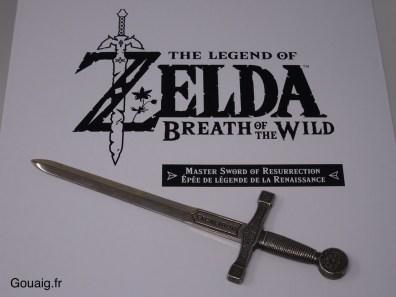 Voici une épée légendaire ... Excalibur ?