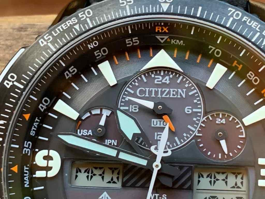 Citizen Eco Drive JY8085-14H Super Pilot con radiocontrol:esfera