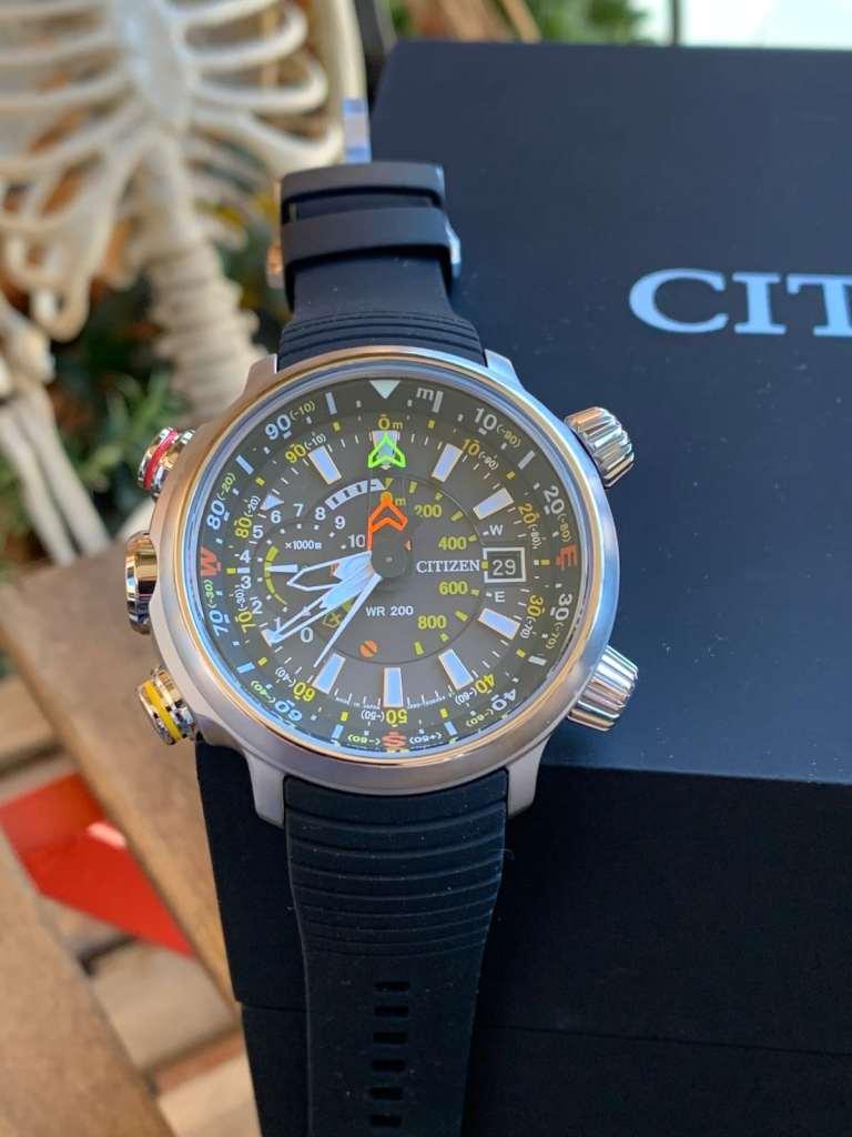 Reloj Citizen Eco Drive BN4021-02E Altichron: esfera