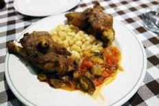 Pig´s feet, mongetes beans and samfaina at La Venta