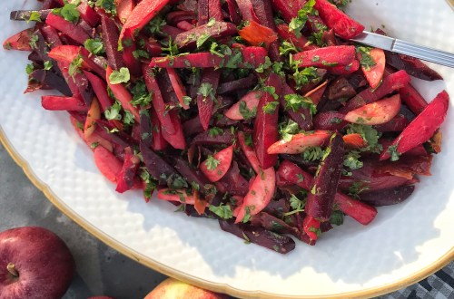Beetroot salad with apples, crispy bacon and lots of parsley