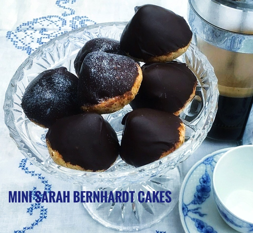 Mini Sarah Bernhardt cakes