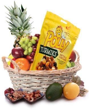 Gavekurv full av frukt- og nøtter