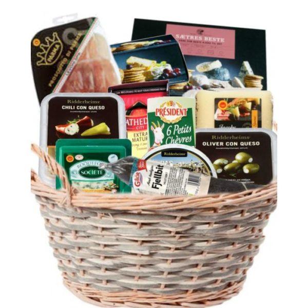Luksuriøs gavekurv med fine delikatesser: ost, oliven og spekemat