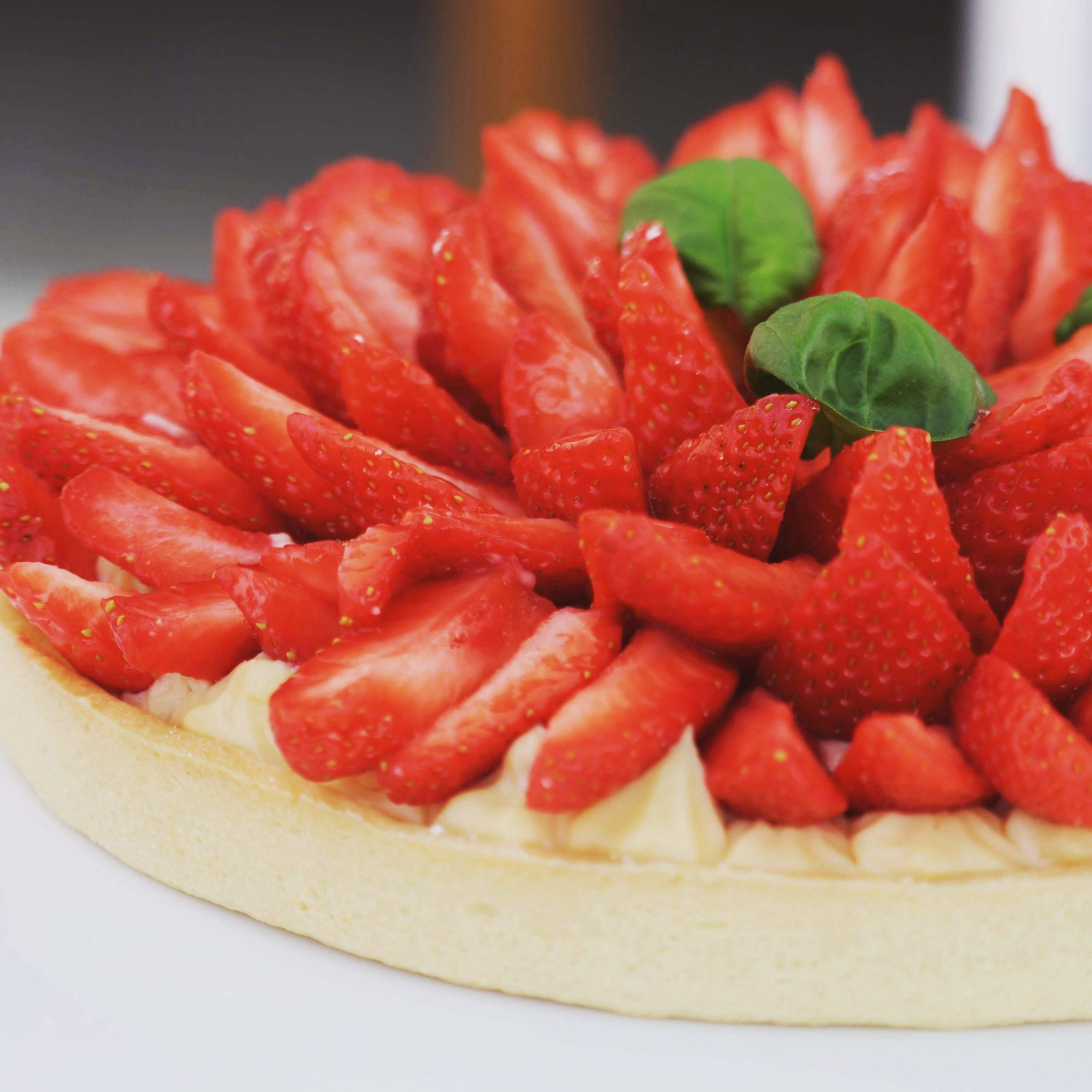 Photo de Tarte aux fraise et au basilic pour accéder à la recette