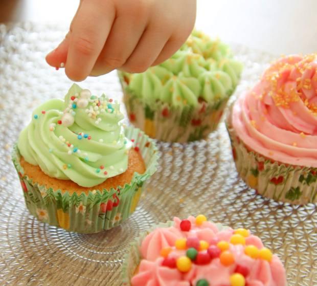 Décoration des cupcakes à la vanille
