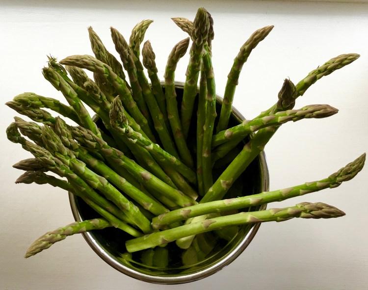wash asparagus