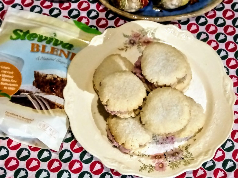 Creamy Cranberry Shortbread Sandwich Cookies