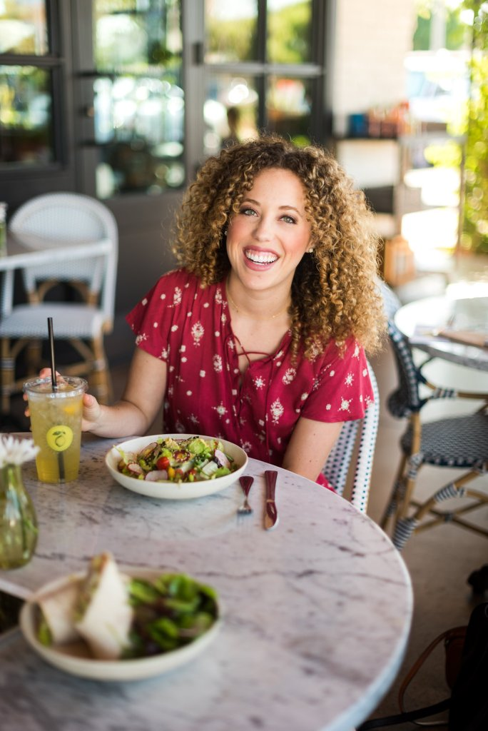 How to Eat Healthier at Restaurants by Gourmet Gab