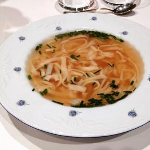 Receta de sopa de crepes suiza