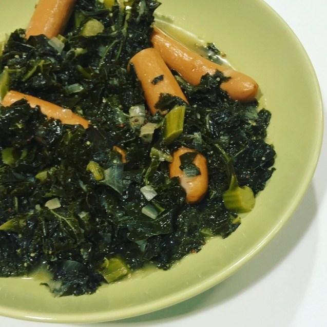 cómo hacer col kale con salchichas al estilo alemán paso a paso