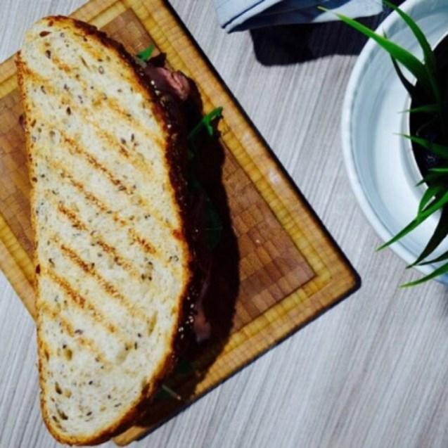 sandwich roast beef receta fácil