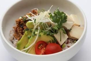 表参道の「台湾カフェZen」、ヴィーガン料理の提供開始! フード注文で人気の台湾産マンゴー90分食べ放題が提供可能