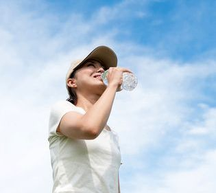 健康に関する最新レポートをmicrodiet.netにて公開 『かくれ脱水に注意!熱中症の予防と対策』
