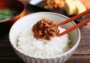 発酵食文化の新潟県から新たなご飯の供が登場! 3種類の枯節のだしを合わせた 「だし屋の食べるしょうゆ糀」が販売開始