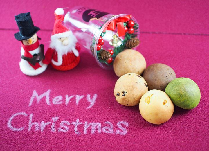 タピオカ粉を使ったモチモチ食感の一口パン「ぽんで」のアンテナショップ 『ぽんでSTORE』で期間限定商品「クリスマスぽんで」を発売します!