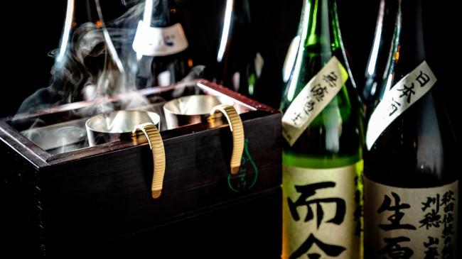 """""""日本酒たっぷり美酒鍋""""が12月1日から提供スタート 8種の温度で日本酒を楽しめる『日本酒バル 蔵バル 梅田』"""