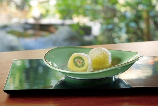 旬の果実「グリーンピーチ」「さくらんぼ」をまるごとひとつ使用!宗家 源 吉兆庵より「桃若姫」と「花桜桃」が登場