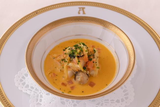 【ガラディナー】【シェフイベント】でご提供「ポール ボキューズに捧げるコキヤージュのスープ」