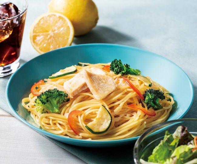 瀬戸内レモンを使用した、さっぱりパスタ「チキンと彩り野菜の瀬戸内レモンパスタ~青唐辛子風味~」を3月15日(金)より順次発売